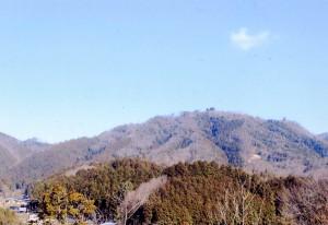 南方より見た岩屋山全景